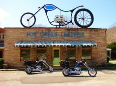 http://www.foxcreekleather.com/   Fox Creek Leather is a small family run company in the heart of the Blue Ridge Mountains of southwestern Virginia. We take pride in offering high quality American-made motorcycle leathers at reasonable prices.