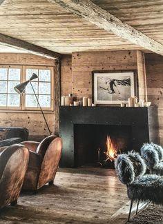 Fireplace Chalet in Engadin - Switzerland - das Ideale Heim Nr. Chic Chalet, Chalet Style, Cabin Homes, Log Homes, Chalet Interior, Modern Cabin Interior, Interior Design, Chalet Design, Cabin Interiors