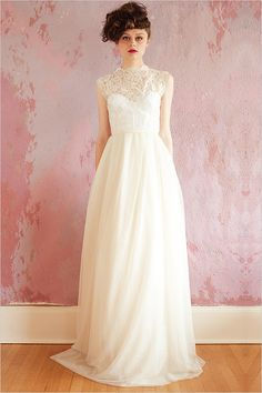 we are LOVING the lace collar on this Sarah Seven gown. what do you think? sarahseven.com