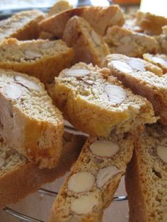 Italian Cookies, Italian Desserts, Mini Desserts, Italian Recipes, Biscotti Cookies, Biscotti Recipe, Biscuit Dessert Recipe, Dessert Recipes, Gastronomia