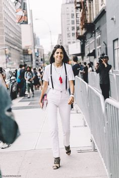 New_York_Fashion_Week-Spring_Summer-2016--Street-Style-Leandra_Medine-Man_Repller-White_Outfit-