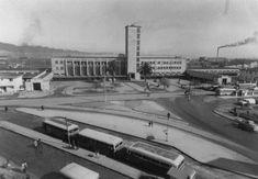 Enterreno - Fotos históricas de chile - fotos antiguas de Chile - Barrio Estación de Concepción en 1960 Train, Vintage, Modernism, War Of The Pacific, Historical Photos