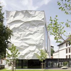 04-School-Extension-with-Crinkled-Wall-by-Johannes-Wiesflecker