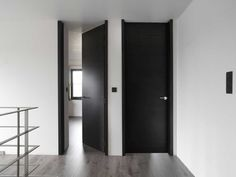 Discover recipes, home ideas, style inspiration and other ideas to try. Interior Barn Doors, Exterior Doors, Home Room Design, House Design, Interior Paint Colors For Living Room, Sliding Barn Door Hardware, Sliding Doors, House Doors, Black Doors