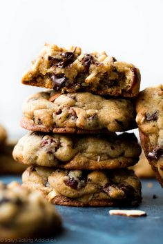 Super soft and thick dark chocolate chunk cookies with almonds and dried cranberries. So much flavor in these easy cookies! Chocolate chip cookies recipe on sallysbakingaddiction.com