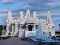 "Neasden Temple - (BAPS Shri Swaminarayan Mandir). Opened in 1995, the Hindu Temple is the largest outside India, still in use. Built and funded by the Hindu community, it was listed as one of Time Out Magazine's ""Seven Wonders of London"" iconic buildings in 2007. NW10, Neasden Tube. Ancient Architecture, Amazing Architecture, Time Out Magazine, Shiva Lord Wallpapers, Chicago Photos, Hindu Temple, Seven Wonders, Famous Landmarks, Place Of Worship"