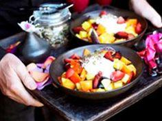 Ontbijt : fruitsla met kokosmelk en zaden(Pascale Naessens)