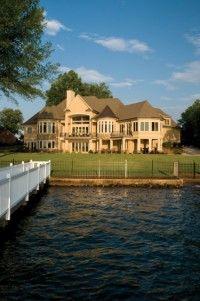 Lake Home = Paradise!!