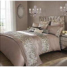 Kylie Minogue at home Mauve 'Eva' duvet cover