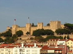 Alexa went here. The hilltop citadel of Castelo de São Jorge (Saint George Castle) i