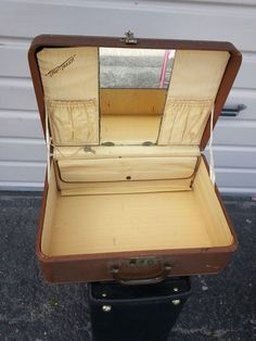 Vanity Suitcase With Lights Royal Traveller Train Case Hot Pink Vintage Luggage Beauty Vanity