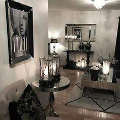 #Repost @cathrine92_  #classicliving #Siennasalongbord140 #dubaikonsollbord #romasofa #møbler #sofa #coffetable #salongbord #interiør #glam #velour #steele #glamfurniture #livingroomdetails #livingroominspiration #livingroom #charminghomes #classyinteriors #roomdecor #style #styling #interior