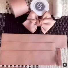Diy Ribbon, Ribbon Bows, Ribbon Flower, Diy Crafts Jewelry, Bow Tutorial, Flower Tutorial, Boutique Hair Bows, Diy Hair Bows, Handmade Hair Bows