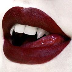Vampire Love, Vampire Girls, Vampire Art, 3 4 Face, Vampire Teeth, Red Aesthetic, Lip Art, Dracula, Mythical Creatures