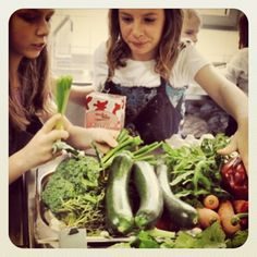 Lovely Day in the Kitchen prepping greens, juicing + talking about benefits of making your own nut mylk.