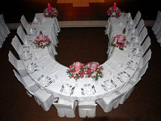 Curved Head Table, so you can talk to all your bridal party!