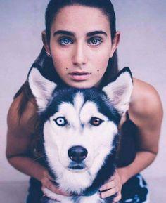Husky with heterochromia iridum Pretty Eyes, Beautiful Eyes, Heterochromia Eyes, Animals And Pets, Cute Animals, Wild Animals, Puppy Drawing, Eye Color, Cute Dogs