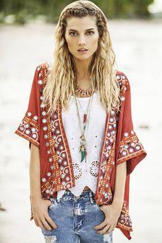 India Style Verano 2016 - Moda Urbana y Folk Estilo Hippie Chic, Estilo Indie, Boho Chic, Bohemian Style, Ibiza Fashion, Indie Fashion, Boho Beautiful, Beautiful Outfits, Jeans Boyfriend