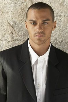 Jesse Williams - He has the most beautiful eyes! Why can't more doctors look like him?!