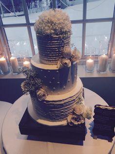 Stunning cake - simple and elegant