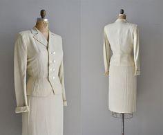 Les Baux linen suit / vintage 1940s suit / cream by DearGolden