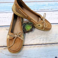 "Sperry spectacular! Sperry tan shoes size 9 $16 .  .  Say ""So Long February""  and Spring Forward with Our Lilly Pulitzer Reveal ...Starts February 28 at 10 AM.  .  .  Gotta have it? We do phone orders! Call: 610-455-1500 or  Shop: 1369 Wilmington Pike Hours: Mon- Sat: 10-8 Sun: 12-6  We ship and deliver free to our sister stores: Springfield & East Norriton. We Ship to Your Home!  #smallbiz #shopsmall"