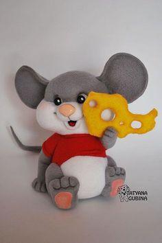Felted toy mouse / Игрушки животные, ручной работы. Ярмарка Мастеров - ручная работа. Купить Сёма. Handmade. Мышка, мышка валяная, сыр Fondant Animals, Felt Animals, Rat Toys, Felt Mouse, Felting Tutorials, Felt Patterns, Clay Figures, Diy Pillows, Felt Dolls