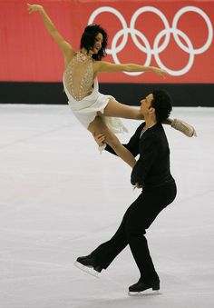 Marie-France Dubreuil and Patrice Lauzon of Canada perform during the Original Dance program of the figure skating during Day 9 of the Turin 2006 Winter Olympic Games on February 2006 at Palavela in Turin, Italy. Virtue And Moir, Tessa Virtue Scott Moir, Winter Olympic Games, Winter Olympics, Roller Skating, Ice Skating, Figure Ice Skates, Tessa And Scott, Dance Program