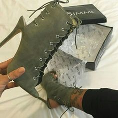 Everything You Didn't Know You Wanted to Know About High Heels: Platforms, Wedges, and Pumps. Stilettos, High Heels, Pumps, Women's Heels, Heeled Boots, Bootie Boots, Shoe Boots, Shoes Sandals, Shoes Sneakers