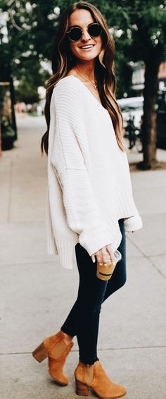 40 Adorable Fall Outfits To Inspire Yourself 2019 womens white cable-knit sweater blue denim skinny jeans with pair of brown suede chunky booties outfit The post 40 Adorable Fall Outfits To Inspire Yourself 2019 appeared first on Outfit Diy. Winter Sweater Outfits, Fall Winter Outfits, Autumn Winter Fashion, Winter Clothes, Fashion Fall, White Sweater Outfit, Winter Style, Winter Dresses, Casual Winter