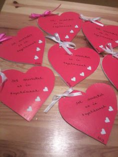 anyák napjára... Valentine Heart, Valentine Day Cards, Valentine Crafts, Happy Valentines Day, Christmas Crafts, Diy Mother's Day Crafts, Mothers Day Crafts, Mother Day Gifts, Paper Crafts