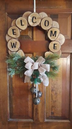 29 Perfect Diy Christmas Wearth Decoration Ideas Diy christmas decorations are fun projects to do with your family and friends. At the same time diy christmas decorations will come in handy when you . Decoration Christmas, Rustic Christmas, Christmas Time, Christmas Ornaments, Wooden Christmas Decorations, Diy Christmas Wreaths, Diy Christmas Decorations For Home, Cheap Christmas, Christmas Snowman
