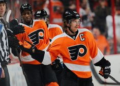 Wayne Simmonds #17 and Claude Giroux #28 Philadelphia Flyers