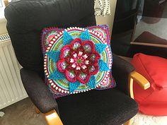 Ravelry: The Amanzi Block/Throw pattern by Jen Tyler Crochet Mandala Pattern, Crochet Square Patterns, Crochet Blocks, Freeform Crochet, Crochet Art, Crochet Squares, Crochet Blanket Patterns, Vintage Crochet, Crochet Designs