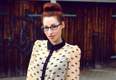 Rauschgiftengel with ray ban glasses and sheinside swan print blouse #classy #chic