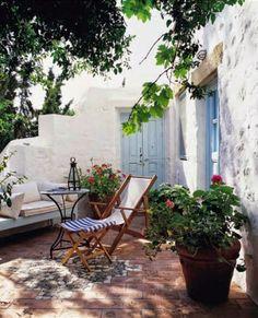Para mi casa de pueblo { For my village house } Outdoor Rooms, Outdoor Gardens, Outdoor Living, Outdoor Decor, Porch And Terrace, Outside Living, Village Houses, Garden Inspiration, Beautiful Homes