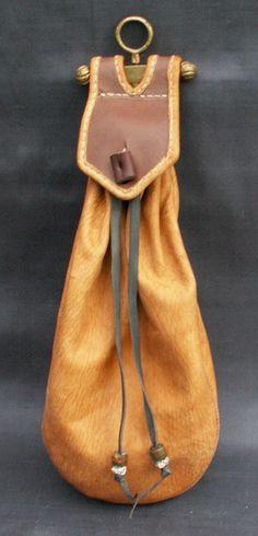 Tudor Belt Bag.... wonder where I can find the hardware on the top?