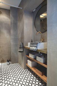 På kun 5 uger gav Ema og kæresten alle rum i lejligheden en makeover Small Space Bathroom, Tiny Bathrooms, Amazing Bathrooms, Office Bathroom, Bathroom Goals, Guest Toilet, Bathroom Interior Design, Bathroom Inspiration, Home Renovation