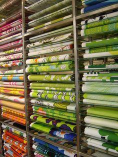 My kind of heaven - Marimekko fabric Textile Prints, Textile Patterns, Textile Design, Fabric Design, Print Patterns, Textiles, Marimekko Fabric, Quilt Material, Haberdashery