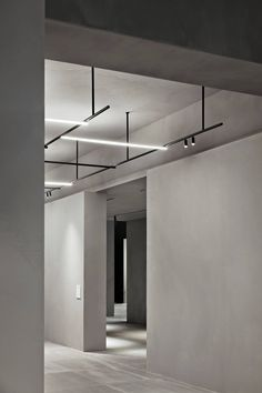 Interior design Lighting Building, Flos collections at Light+Building A sculptural and linear space designed by Vincent Van Duysen Interior Office Lighting, Interior Lighting, Kitchen Lighting, Lighting Ideas, Party Lighting, Club Lighting, Lighting Stores, Lighting Solutions, Shop Lighting