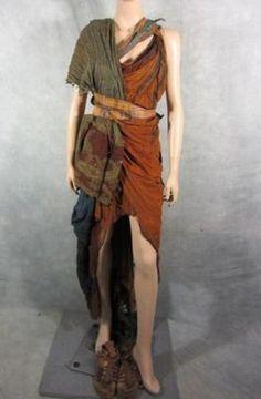 SPARTACUS PROP FEMALE REBEL COSTUME ~ EP 309 ~ SCREEN WORN & COMPLETE ~ COA (08/09/2013)