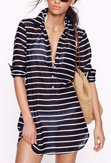 The only shirt look is casual and easy chic Outfit Strand, Only Shirt, Look Fashion, Womens Fashion, Latest Fashion, Bathing Suit Covers, Swim Cover Up Dress, Bathing Suits, Hot Pants