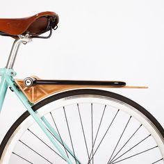 Good wood - 'Slim' all-in-one bike fender, lock holder and carry rack by Portland based design team Ruphus Wooden Bicycle, Wood Bike, Velo Design, Bicycle Design, Course Vintage, Bici Fixed, Bicycle Lock, Garage Bike, Retro Bike