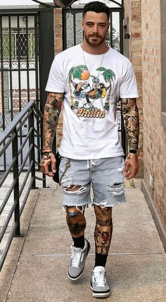 20 Best Casual Outfits For Men Nice Casual Outfits For Men, Summer Outfits Men, Stylish Mens Outfits, Men Casual, Men Summer, Casual Styles, Casual Shorts, Black Men Street Fashion, Mens Fashion