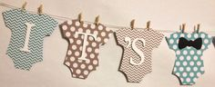 It's A Boy Baby Banner, Mini Clothespin, Baby Shower Decorations, Party Decorations, Bow Tie Theme(Etsy のFitchCraftCreationsより) https://www.etsy.com/jp/listing/174735108/its-a-boy-baby-banner-mini-clothespin
