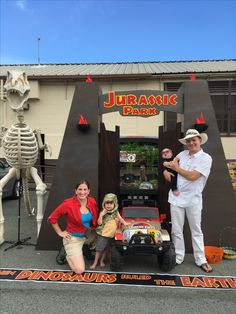 Jurassic Park Trunk Or Treat Cardboard Boxes Metallic