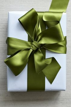 The Perfect Package ~ Green and White, Simplicity