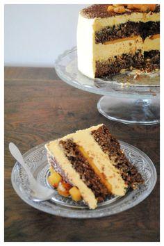 Tarta de chocolate, mango y amaretto