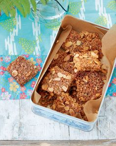 Our can't-stop-at-one chewy flapjacks are the best combination of oats, syrup and butter with a crunchy almond and pine nut topping. Tray Bake Recipes, Oats Recipes, Gourmet Recipes, Afternoon Tea Recipes, Delicious Magazine, Baking Tins, Easy Cooking, Tray Bakes, Food Print