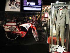 Pee Wee Herman's bike - Google Search Pee Wee Herman, Movie Props, Vintage Bicycles, Bike, Adventure, Google Search, Movies, Bicycle, Films